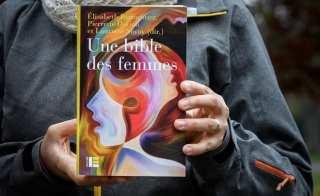 Mișcarea feministă se pregătească să producă o biblie... feministă - imagine preluată de pe ndtv.com