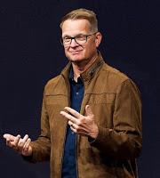 Carey Nieuwhof - imagine capturată din youtube.com, prelucrată de mine